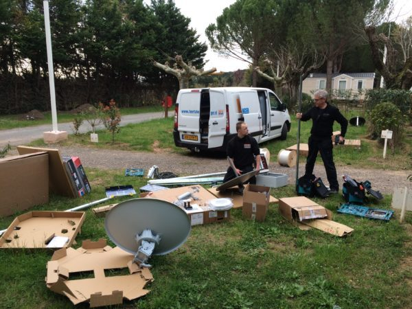 Instalatie internet via sateliet op L'Etoile Roan Camping Holidays