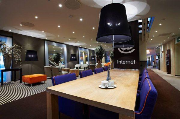 Postillion Hotel Amersfoort Veluwemeer TV